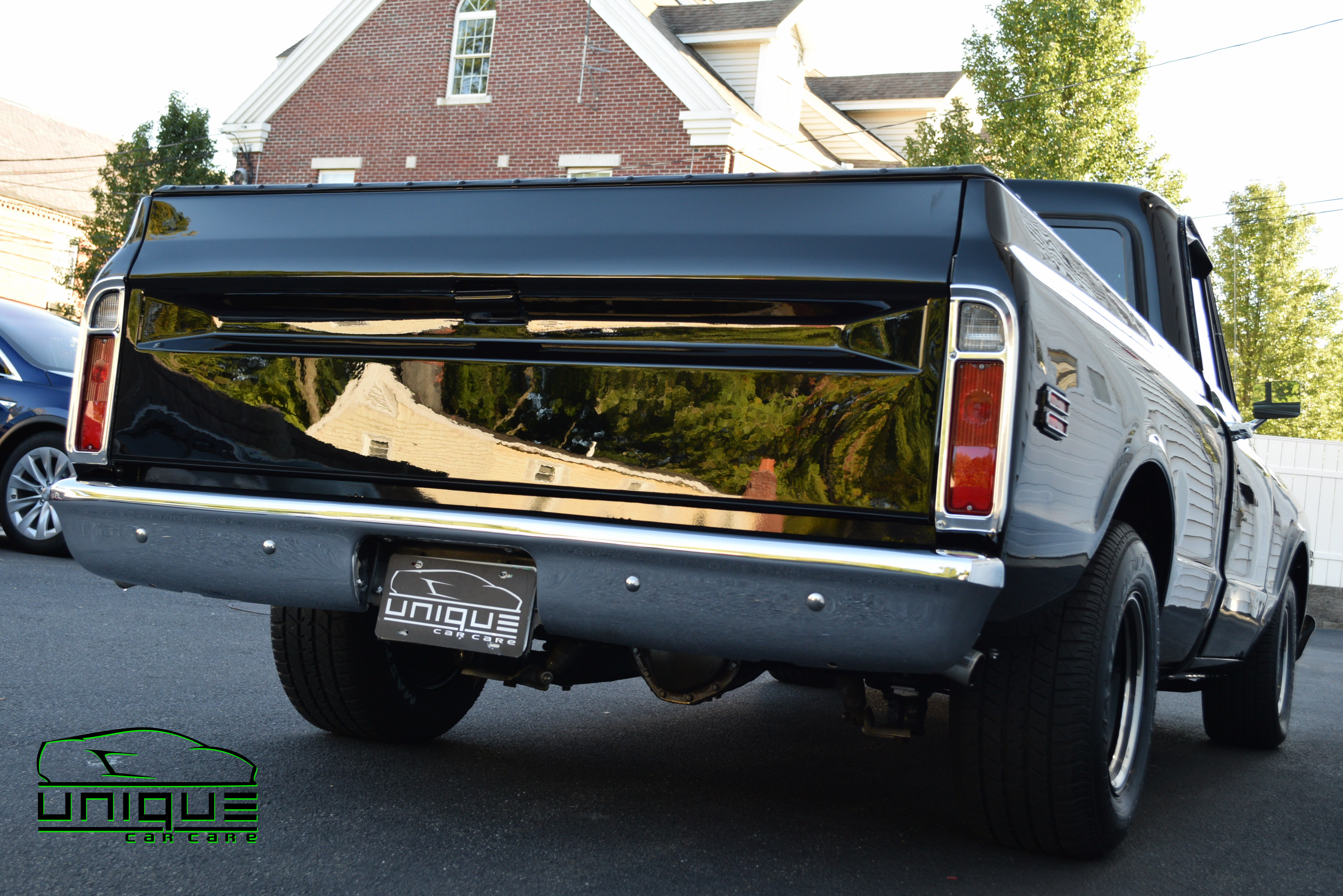 UCC_Custom 72' Chevy Pick up-78